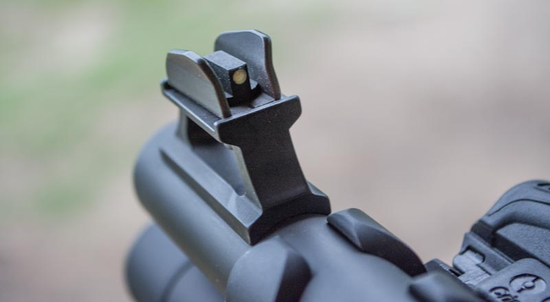 Beretta_1301_Tactical_front_sight-1