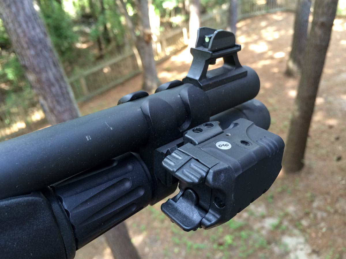 Beretta_1301_Tactical_Crimson_Trace_Rail_Master_Pro-1