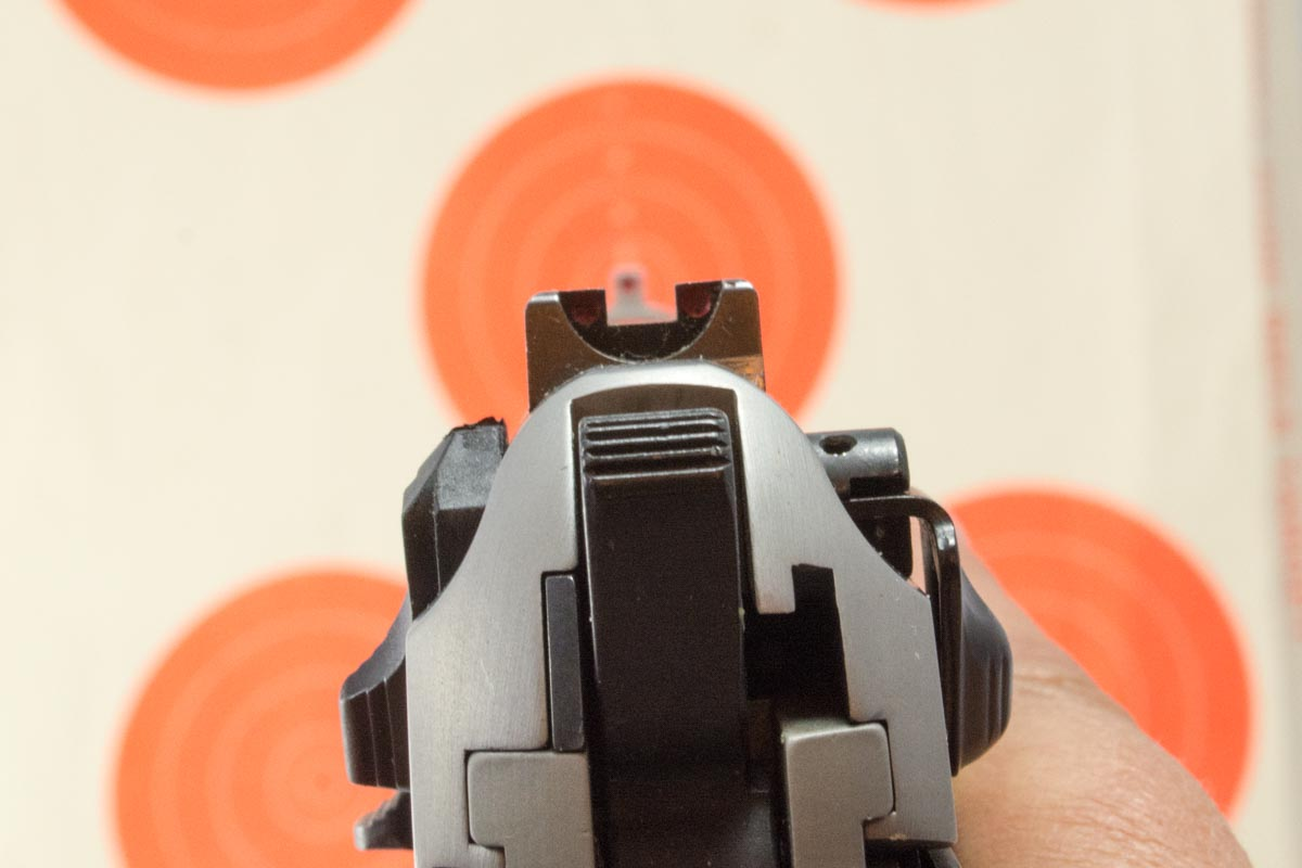 Beretta sights on target-1.jpg
