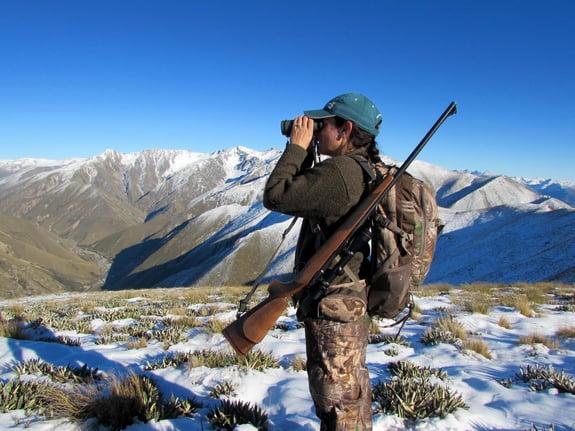 Mia-Anstine-atop-mountains-New-Zealand-Lea-Leggitt-photo