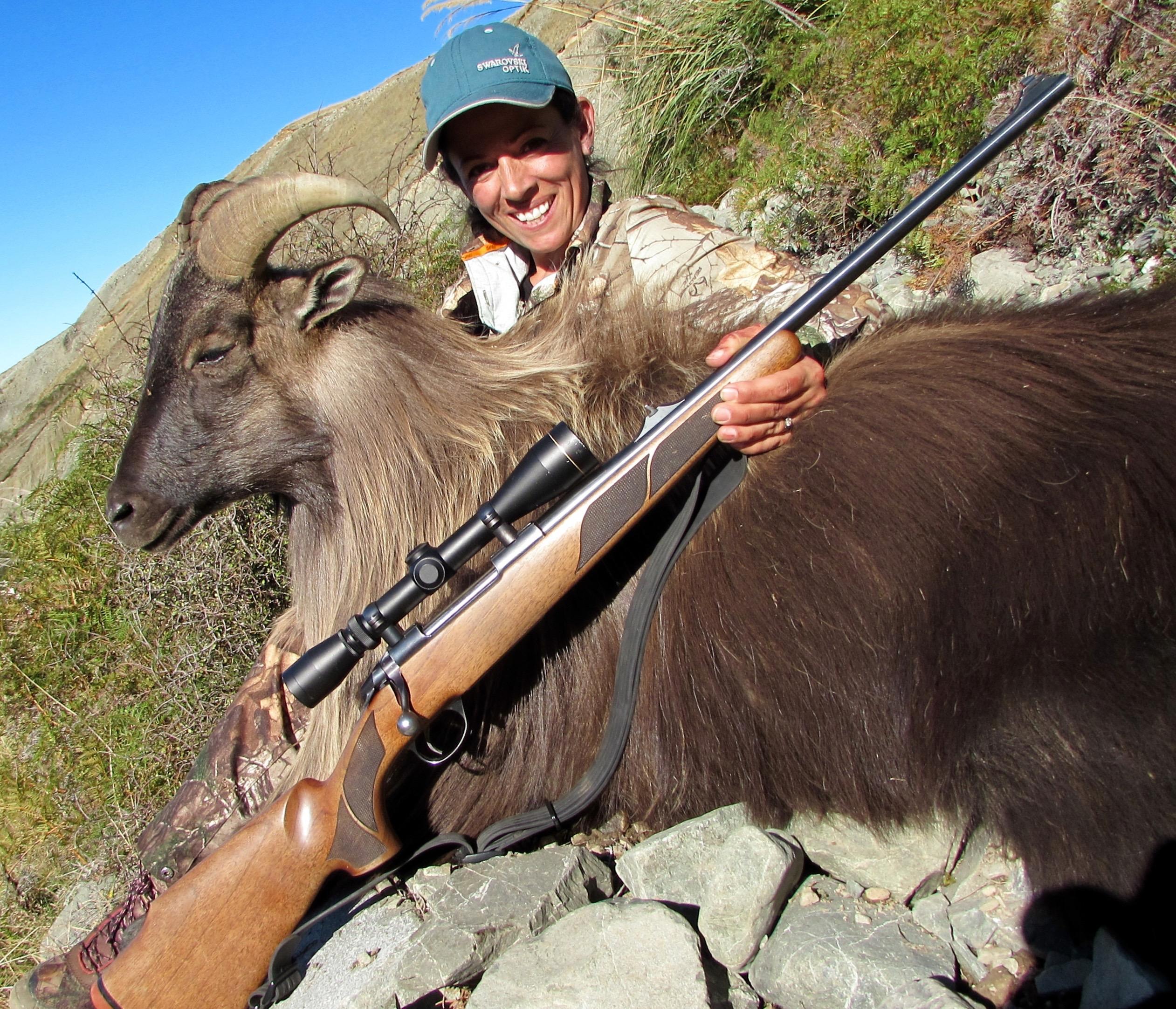 Sako-bull-tahr-New-Zealand-Lea-Leggitt-photo