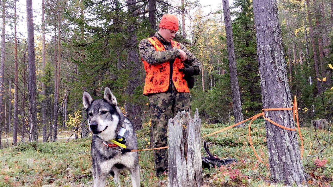 Arctoc-and-Marco-prepare-for-moose-hunt-Mia-Anstine-photo.jpg